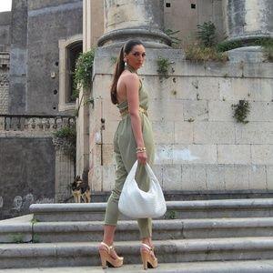 BOTTEGA VENETA Luxury Italian Designer Purse/ Bag!